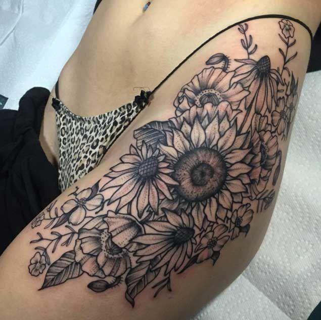 30 Sensuous Flower Hip Tattoos And Designs: De 20+ Bedste Idéer Inden For Hofte Tatoveringer På