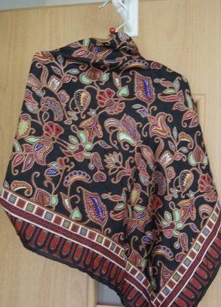 Kup mój przedmiot na #vintedpl http://www.vinted.pl/damska-odziez/inne-ubrania/15906220-chustka-gustowna-jedwabna