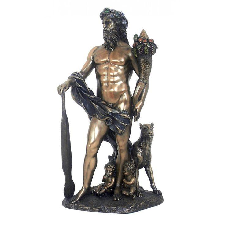 Si mitologia romana aduce cu sine povestiri si intrigi care ne fascineaza si ne atrag !  Asa cum este povestea legendarilor intemeietori ai Romei, Romulus si Remus. Se spune ca acestia pana sa fi fost salvati de pastorul Faustulus si crescuti impreuna cu sotia acestuia, gemenii au fost hraniti si protejati de o lupoica.  Statueta reuneste intr-o maniera atractiva toate aceste personaje.   Poveste, estetic, mesaj, armonie...  Dimensiuni: 30cm