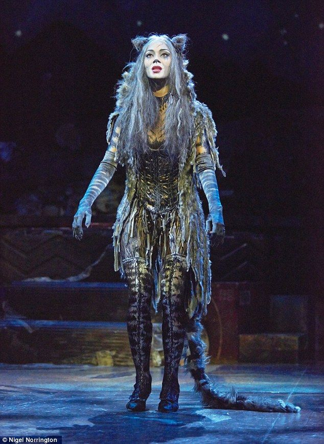Hello kitty: Nicole Scherzinger looked perfectly comfortable in her new feline get up as she took to the stage to play Grizabella