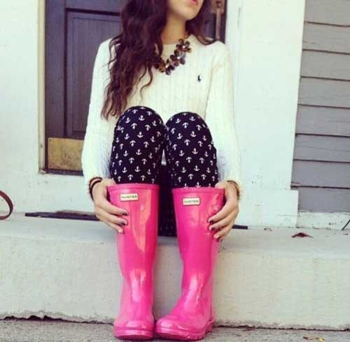 pink-hunter-rain-boots- How to rock the hunter rain boots http://www.justtrendygirls.com/how-to-rock-the-hunter-rain-boots/
