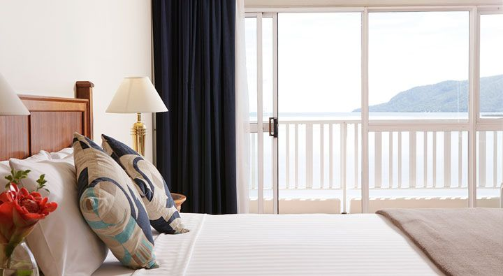 A Ocean Front Room at Rydges Tradewinds Cairns.