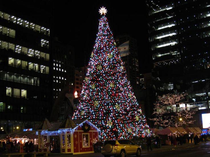 Die 25+ besten Ideen zu Chicago christmas tree auf Pinterest
