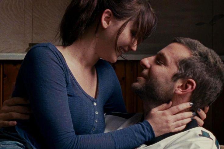 O Lado Bom da Vida/Silver Linings Playbook, com Jennifer Lawrance e Bradley Cooper. Lista com os melhores filmes românticos para assistir em casal, com as amigas ou sozinha.