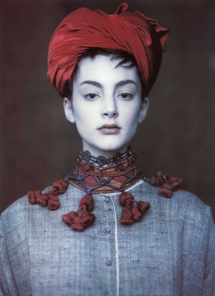 I am in love with this necklace/collar. Honor Fraser  Vogue UK, circa 1990's  Photographer: Paolo Roversi