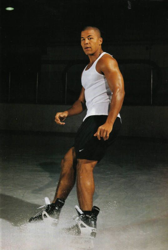 Jarome = hottie. Now tell me you don't like hockey. :)
