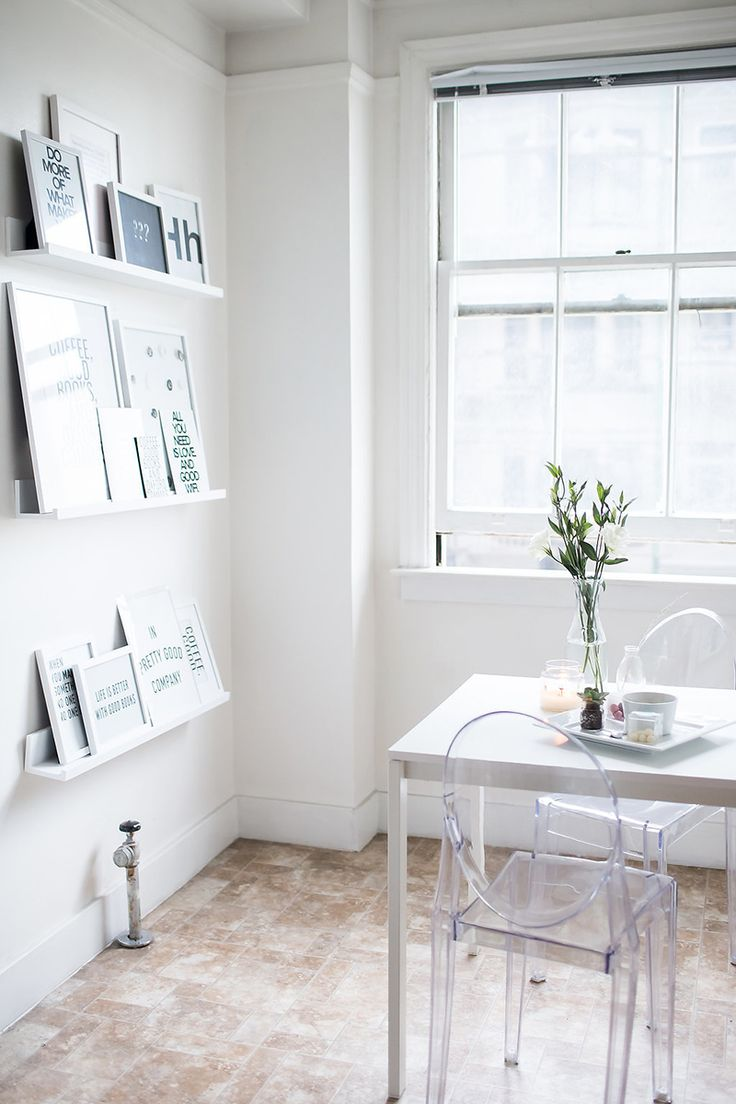This 25-Year-Old's Studio is a Minimalist Dream | The Everygirl