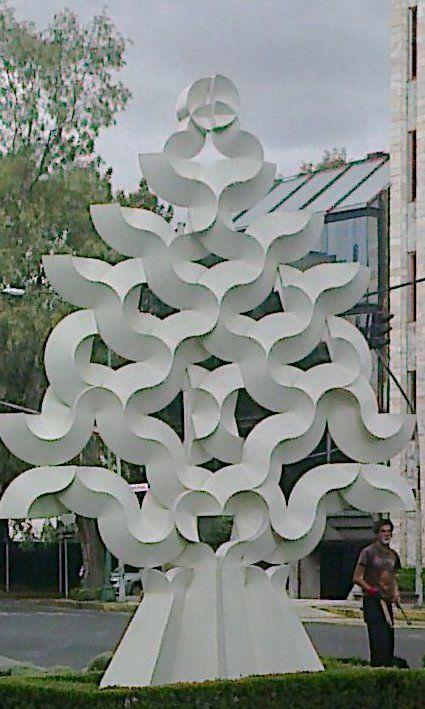 Frente al Teatro Libanes. Mexico, D.F.