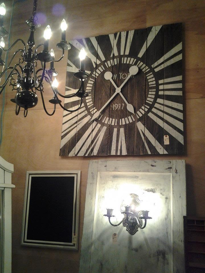 Custom made New York 4 ft Pallet Clock