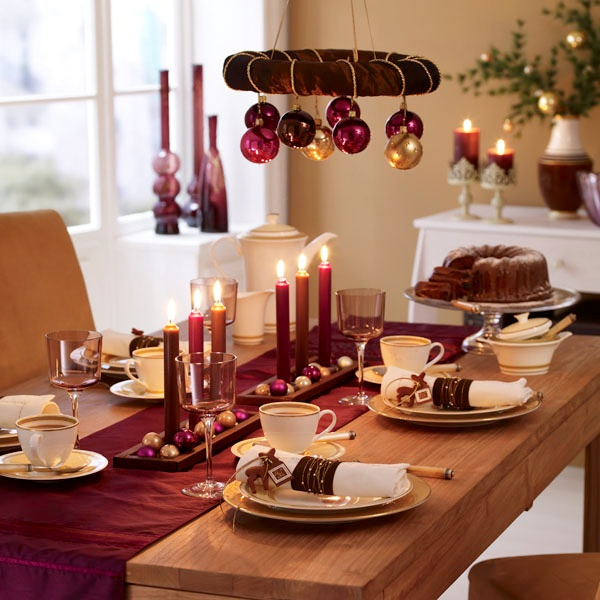 sofra düzeni: Christmas Table Decorations, Holiday Ideas, Christmas Tables, Christmas Decorations, Table Setting, Christmas Ideas, Decorated Tables