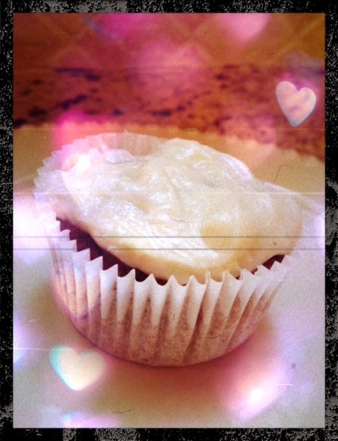 Natural Red Velvet Cupcakes with Cream Cheese Frosting **Wheat-Free** | Lauren Kelly Nutrition