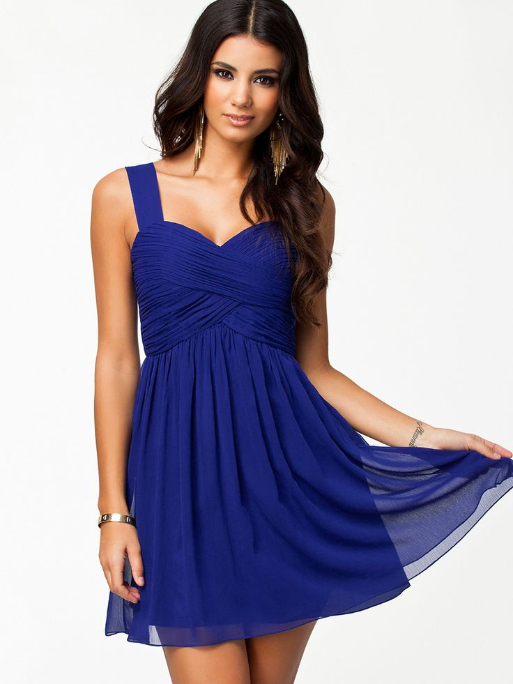 Shop Blue Strap Backless Pleated Dress online. Sheinside offers Blue Strap Backless Pleated Dress & more to fit your fashionable needs. Free Shipping Worldwide!