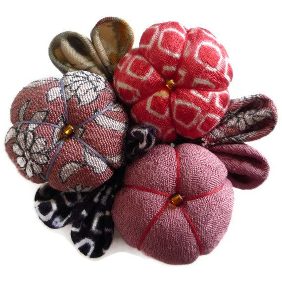 Fabric Brooch Pin Japanese Gift Fabric Flowers Pink by tomoandedie, $20.00