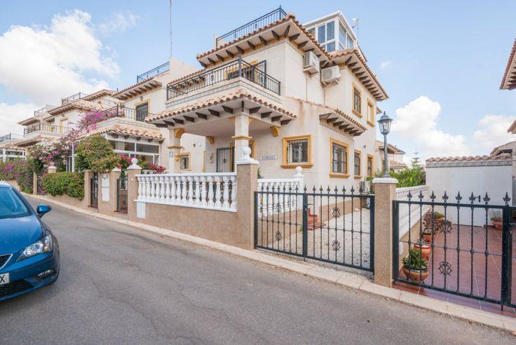 RicaMar Homes Real Estate Costa Blanca | 3 Bed 1 Bathroom Quad House in La Zenia - Orihuela Costa