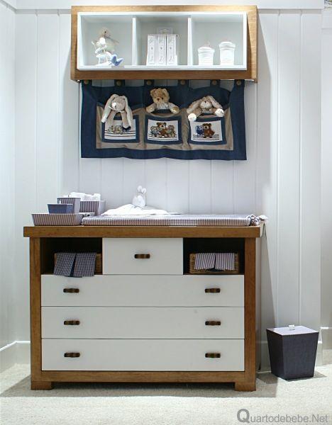 quarto de bebê azul marinho e branco