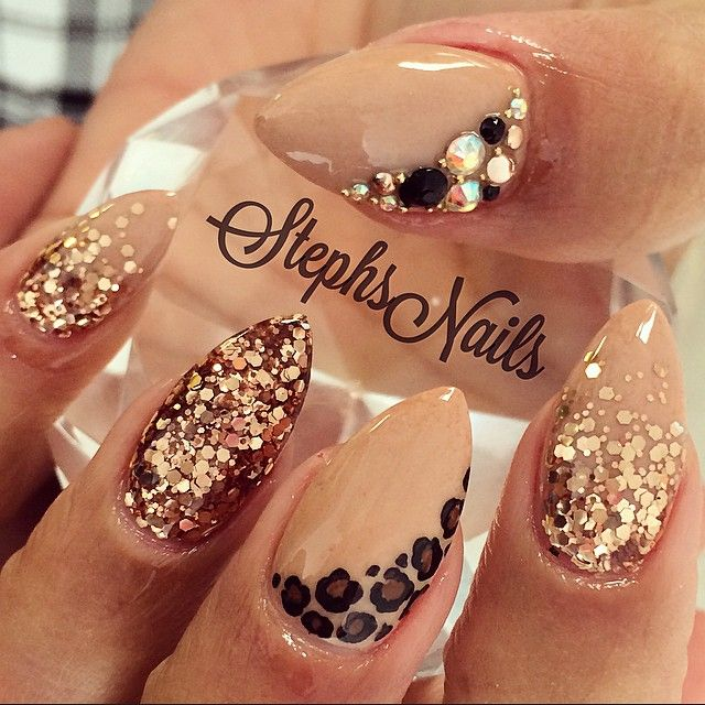 #simple#fallnails#nudenails#almondnails#cute#rosegold#glitterombre#chunkyglitter#diamonds#blackcrystals#caviarbeads#leopard#almondsnails#simple#love#fallnails
