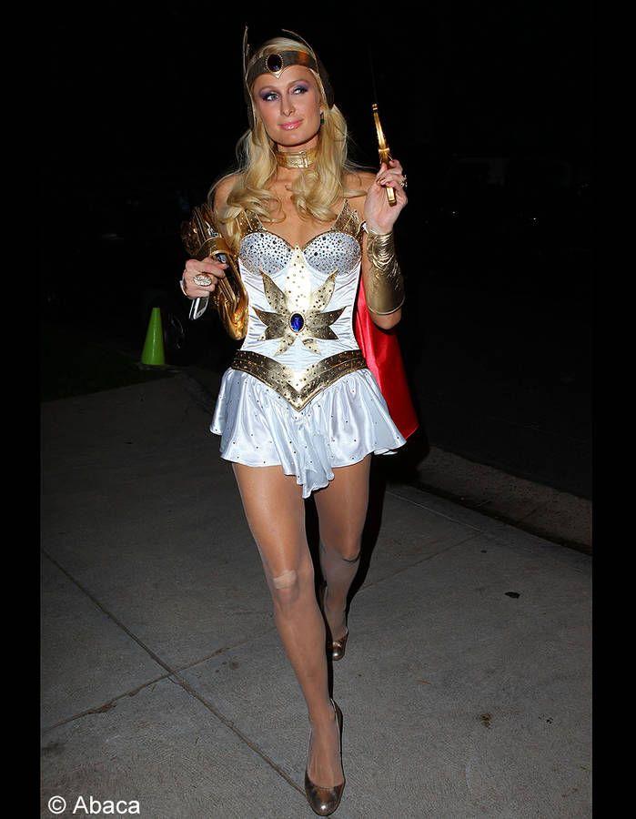 Le costume de Paris Hilton