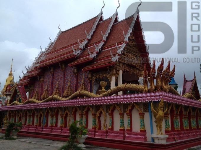 http://thai-sale.com/  Храм Пра Нанг Санг (Wat Phra Nang Sang)На Пхукете что ни храм, то обязательно с историей. Ват Пра Нанг Санг – не исключение. По легенде, много лет назад жену местного правителя, леди Луад Кхао, заподозрили в измене мужу. По правилам того времени женщина была приговорена к смерти. Ее последним желанием было посетить буддийский храм в Шри-Ланке. Вернувшись из поездки, вдохновленная леди Луад Кхао построила храм в Таланге. Сразу же после окончания строительства ее…
