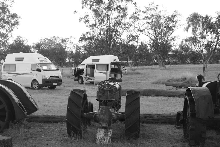 Heading to Roma? Just west, is a lovely low cost camp called Meadowbank. Lots of old farm memorabilia and you can even have a campfire to relax around in the evening. #roma #camperbrisbane