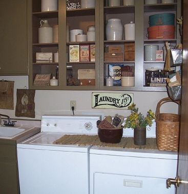17 best ideas about primitive laundry rooms on pinterest for Country laundry room
