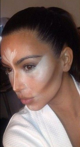 Kim K shows off Scott Barnes' contouring skills - the man is a master and the tutorial is easy!