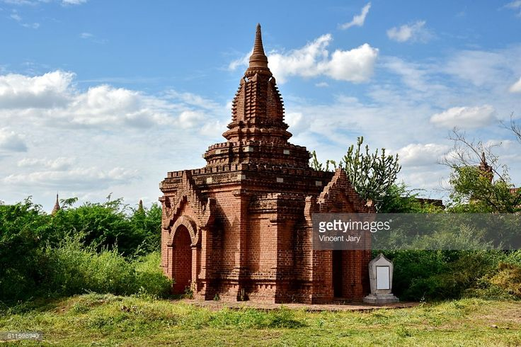 Buddhist temple inside Bagan unesco ruins Myanmar. Asia. #getty #photographe #photo #image  #images #temple #bouddhisme  #religion #stupa #photographie #ancien#histoire #unesco #khmer #birmanie #terre #cuite #bouddha