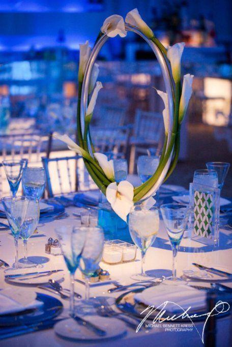 Centro de mesa con cartuchos cubriendo aro, ingenioso y decorativo. #CentroDeMesa