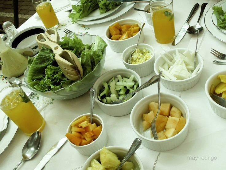 Sonya's Garden Lunch Table,Tagayay