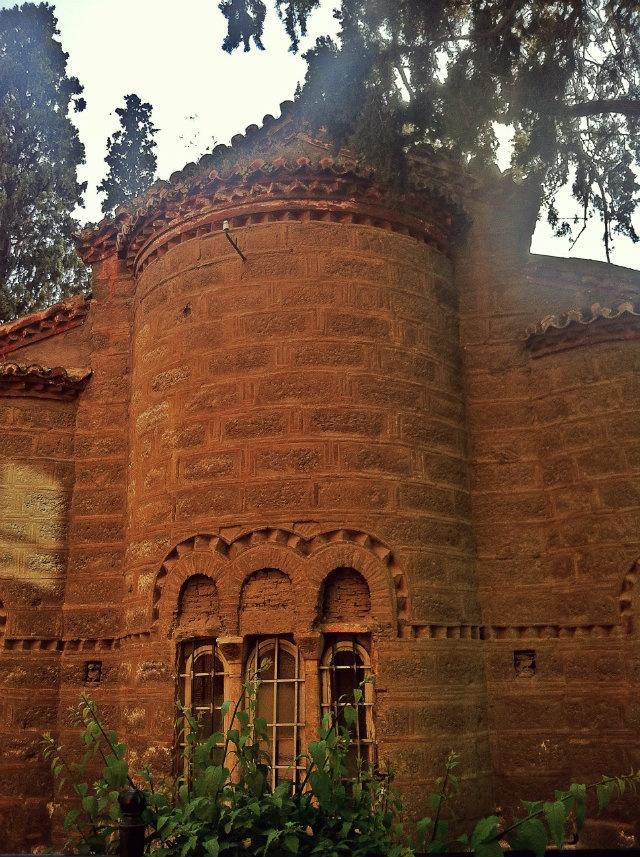 The rear side of the 10th century Metamorfosi tou Sotiros Church. (Walking Athens, Route 05 - Lower Plaka)