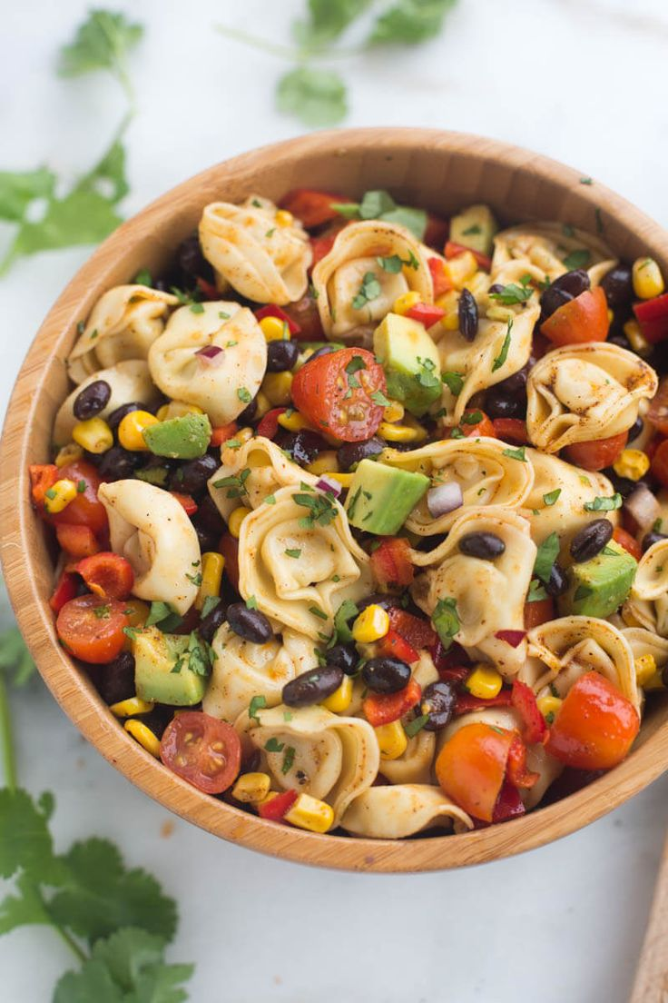 This Southwest Tortellini Pasta Salad from Tastes Better From Scratch is a pasta salad that's ready in 30 minutes and great for parties! via @bestblogrecipes