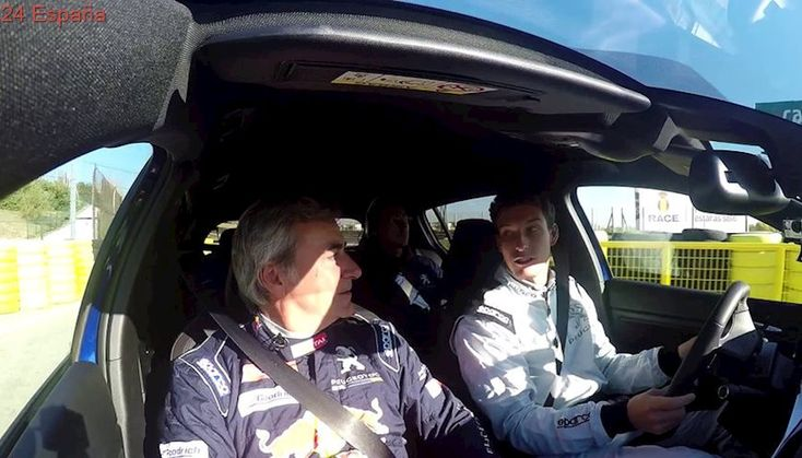 VÍDEO: Carlos Sainz enseña a Pablo Carreño a conducir en el Circuito del Jarama