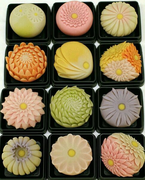 Japanese sweets are works of art!