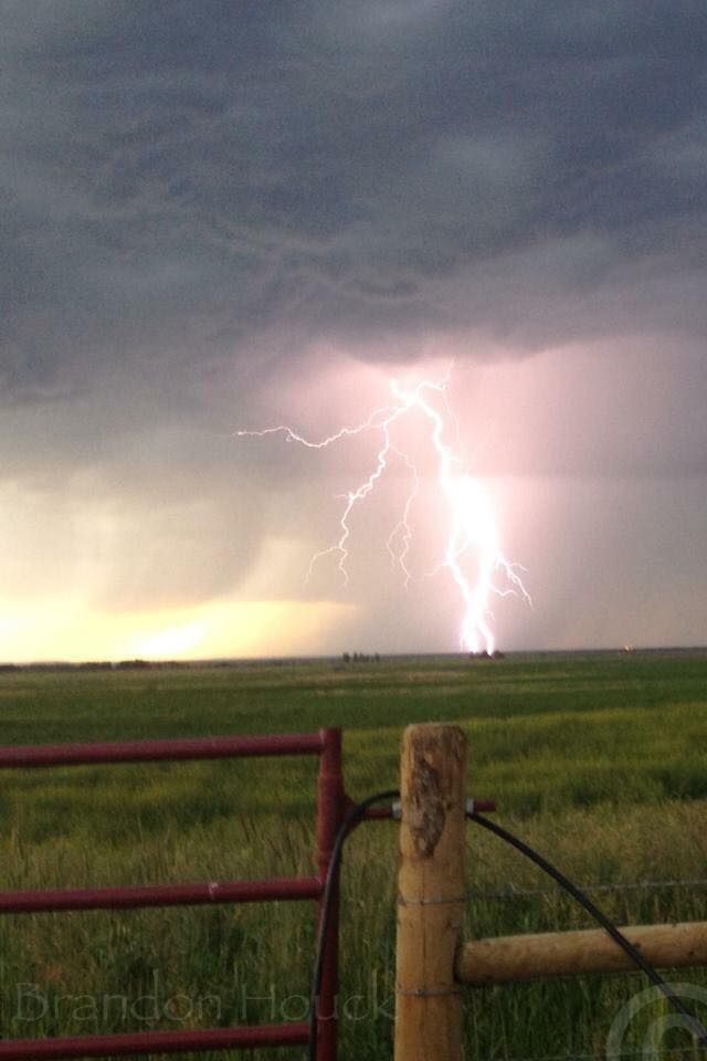 Thunderstorms And Tornadoes 4160 best storms,clouds,lighting and rainbows. images on pinterest