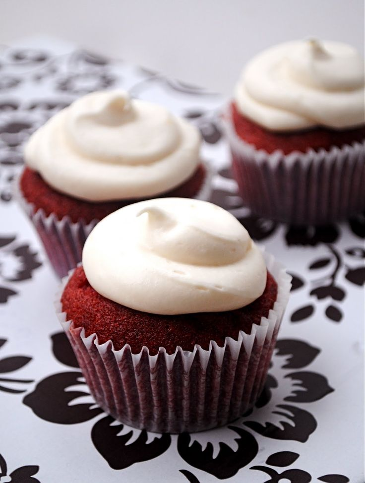Red Velvet CupcakesYummy Desserts, Cupcakes Sweettreat, Cupcakes Food, Cupcakes Recipe, Delicious Red, Red Velvet Cupcakes, Cupcakes Delicious, Cupcakes Rosa-Choqu, Cream Cheese Frosting