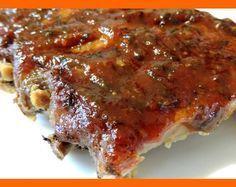 karamelovo zeleninová marináda na grilované mäso. Fantastická prémiová marináda na rebierka, stejky, stehienka, krídelká. Ingrediencie 1 kg cukru 1,5 litra čierneho piva 1 kg lúpaných paradajok v konzerve 0,5 litra sweet chilli sauce aj v Tescu Hrsť nasekanej petržlenovej vňate. 200 g cesnaku 1 balíček drvenej rasce 2 jablká 2 čl soli. Inštrukcie Cukor skaramelizujeme. …