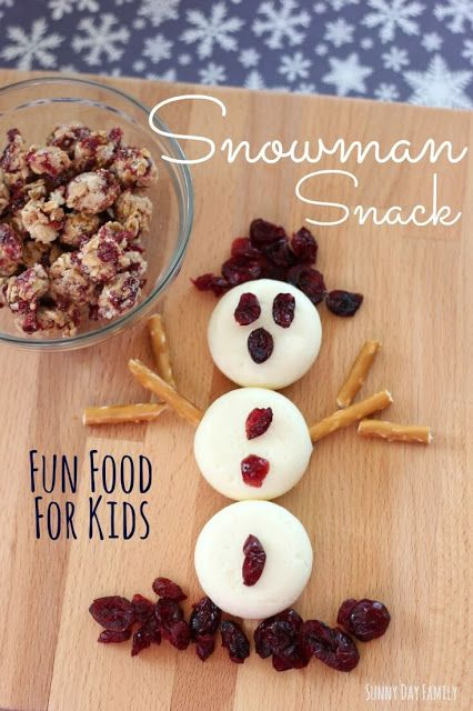 Make an easy Snowman Snack! This is the perfect snow day snack - kids love this fun snack idea and you'll love how wholesome it is. #BetterWithCraisins [ad]