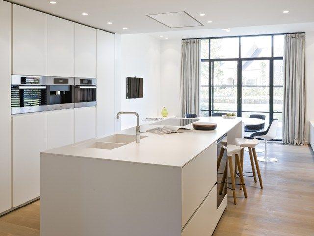"""""""Beslis tijdig over de indeling van de keuken, liefst wanneer je installateur voor het eerst naar de werf komt."""""""