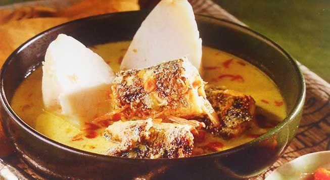 Ketupat Kandangan merupakan #masakan nusantara bersal dari Kalimantan Selatan, Kandangan sendiri adalah nama suatu kota di kalimantan selatan di daerah hulu sungai selatan, Makanan olahan #ikan gabus yang nikmat apalagi disajikan dengan #sambal terasi, Silahkan mencoba #resep ini