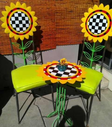 Bon DIY Sunflower Chairs U0026 Table, From Deteriorated, Rusty U0026 Discarded To  Recycled, Bright