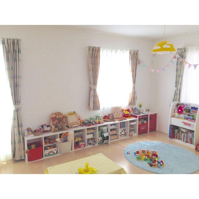 mamaさんの、カラフル,おもちゃ収納,おもちゃ,子供部屋,カーテン,momo natural,壁/天井,のお部屋写真