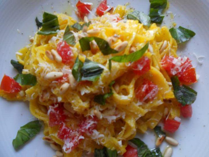 Tagliatelle in salsa di peperoni ricetta e foto