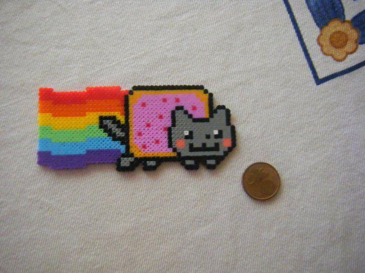 Nyan Cat perler beads.Blink, Crafty, Hama Beads Bijzonderheden, Fused Beads, Cat Perler, Perler Beads, Perlen Nyan, Beads Perler, Hama Beads Perle