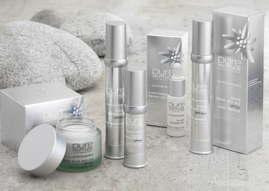 Pure Altitude // La gamme LIFTAlpes, l'expertise anti âge absolue - LIFTAlpes, the mature skins line, with an innovating natural complex of three alpine plants. http://www.pure-altitude.com/1598-liftalpes.htm