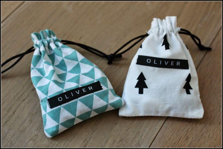 Meermaals kreeg ik de vraag naar de werkwijze voor het maken van de zakjes die ik naaide voor...