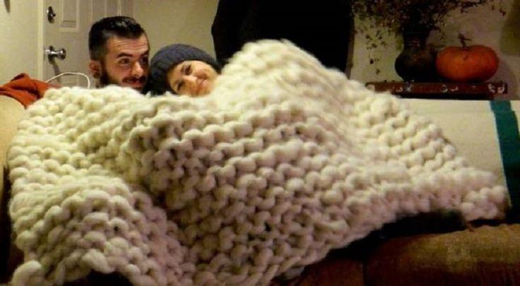 Comment tricoter une gigantesque doudou, avec les bras!