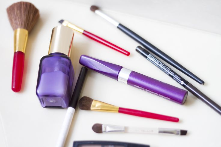 Como aplicar maquiagem em mulheres acima de 50 anos de idade | eHow Brasil …