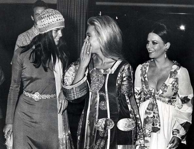 Chic 70s - Ali MacGraw, Dyan Cannon, Natalie Wood