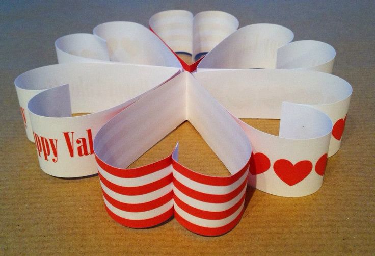 Hanging Heart Decoration - made using paper chains