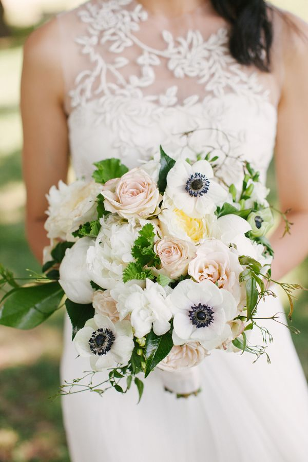 Anemone Bouquet | photography by http://www.lauraivanova.com/