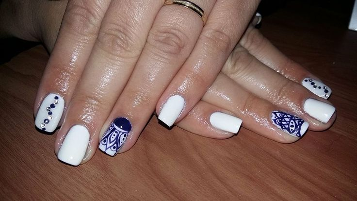 When in Greece... ;) #nails #nailart #greeklove #koshotel